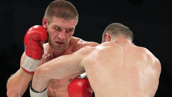 Бокс. Бой между Геннадием Мартиросяном и Дмитрием Пирогом