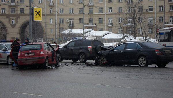 Авария на площади Гагарина в Москве