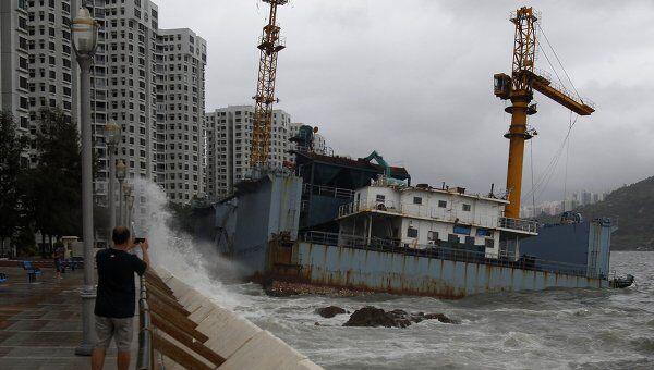 Приближающийся тайфун Несат в Гонконге