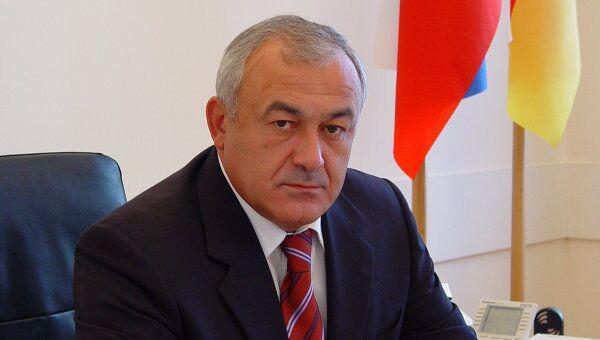 Глава республики Северная Осетия Таймураз Мамсуров. Архив