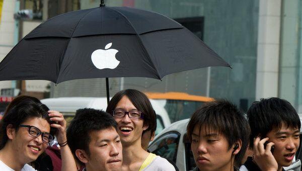 Начались продажи нового iPhone 4S