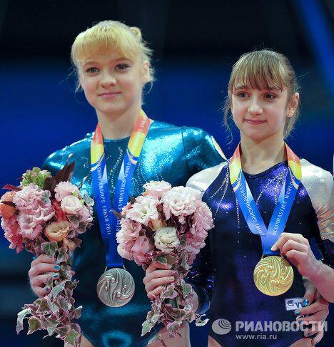 Татьяна Набиева и Виктория Комова (слева направо)