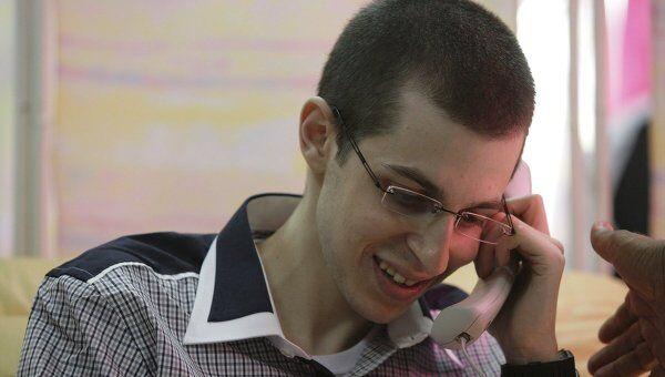 Гилад Шалит впервые после пяти лет плена разговаривает со своей семьей по телефону