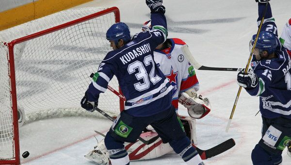 Игровой момент матча Динамо (Москва) - ЦСКА (Москва)