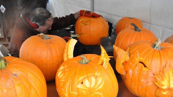 Подготовка к празднованию Хэллоуина в Нью-Йорке