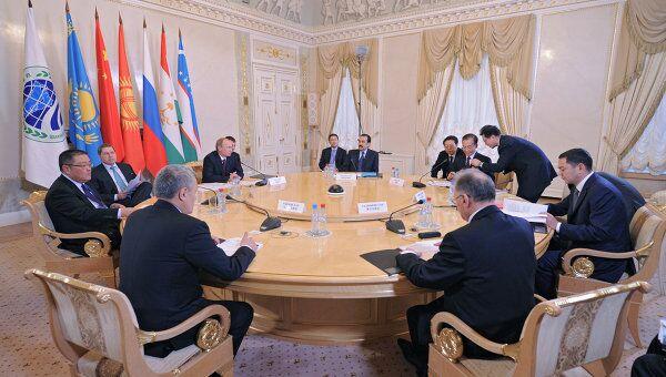 Премьеры стран ШОС подписали стратегию Межбанковского объединения