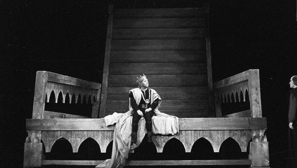 Сцена из спектакля Государственного академического театра имени Е.Вахтангова Ричард III