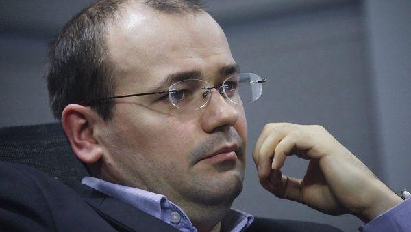 Константин Симонов в агентстве РИА Новости, где прошел видеомост Москва - Киев