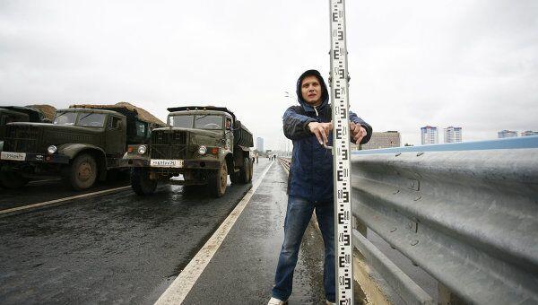 Повторное техиспытание качающегося моста в Волгограде