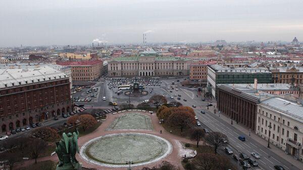 Вид на Мариинский дворец и Исаакиевскую площадь