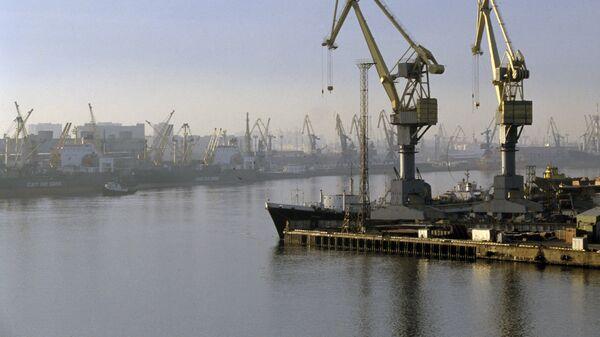 Судостроительный завод Адмиралтейские верфи в Ленинградской области. Архивное фото