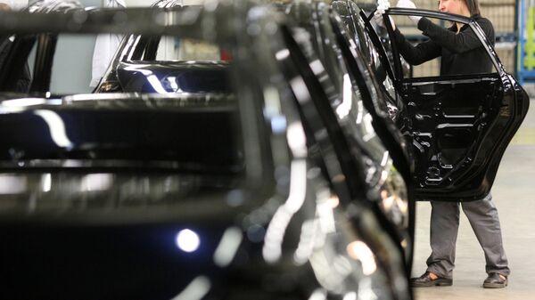 Автомобильный завод Nissan в Санкт-Петербурге. Архив