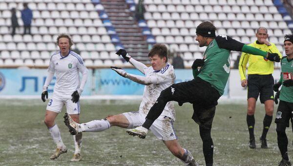Игровой момент матча Томь - Краснодар