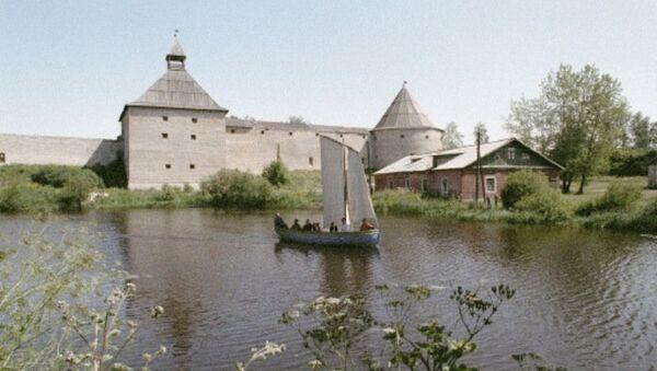 Река Волхов в городе Старая Ладога, архивное фото