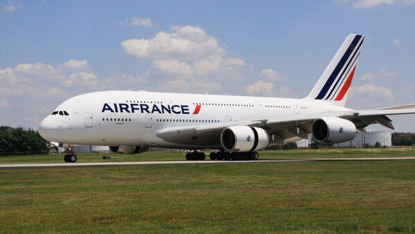 Самолет Airbus 380 (A380, авиакомпания Air France), архивное фото