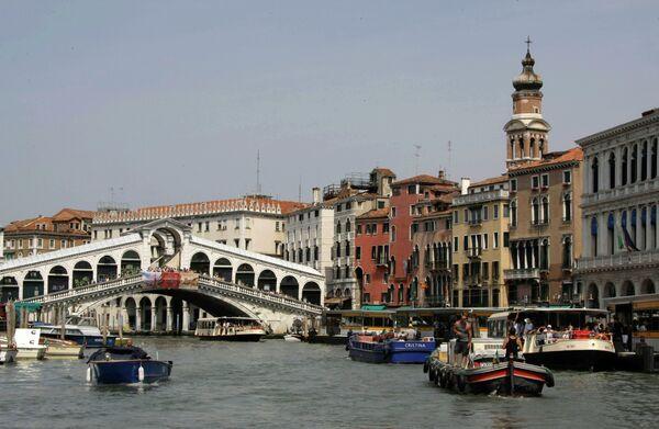 Самый древний мост в Венеции через Гранд-канал - Мост Риальто