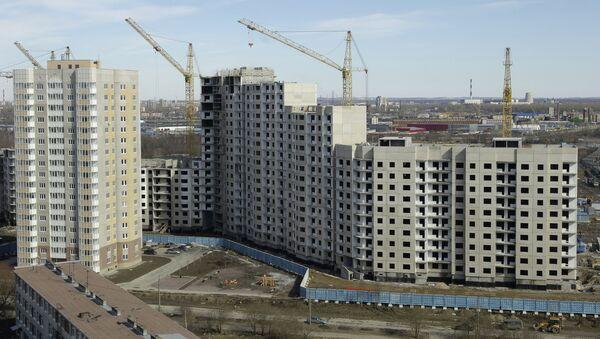 Строительство жилого комплекса в Петербурге. Архивное фото