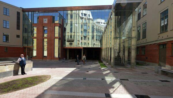 Внешний вид здания второй сцены Александринского театра в Санкт-Петербурге. Архивное фото
