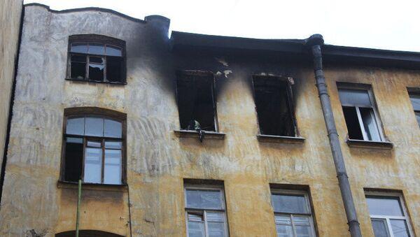 Пожар в доме 92 по Большому проспекту Петроградской стороны