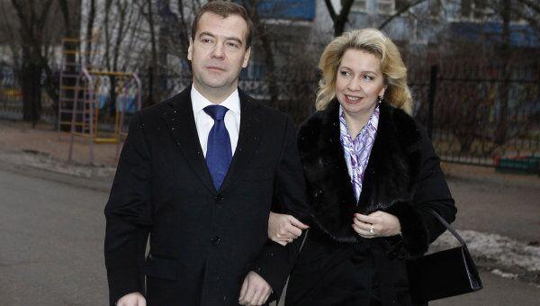 фото медведева и его семьи этот раз вымогательство