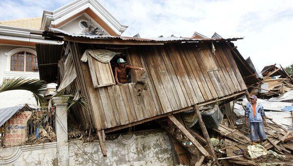 Более тысячи человек стали жертвами тропического шторма на Филиппинах