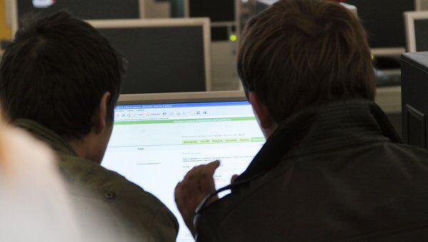 Российские блогеры и пользователи соцсетей опасаются, что свобода слова в рунете - под угрозой