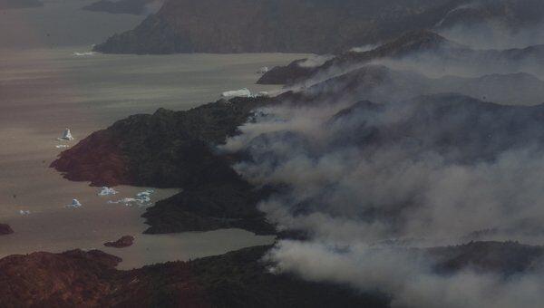 Пожар в заповеднике Торрес-дель-Пайне в Патагонии