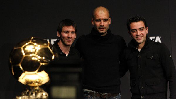 Лионель Месси, Хосеп Гвардиола и Хави (слева направо)