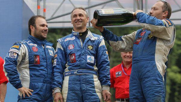 Алес Лопрайс, Милан Холан и Ярослав Мисколчи (слева направо в синем)
