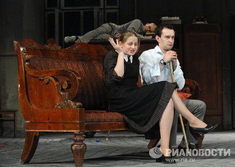 Пресс-прогон спектакля Чайка в постановке К.Богомолова представил Московский театр О.Табакова