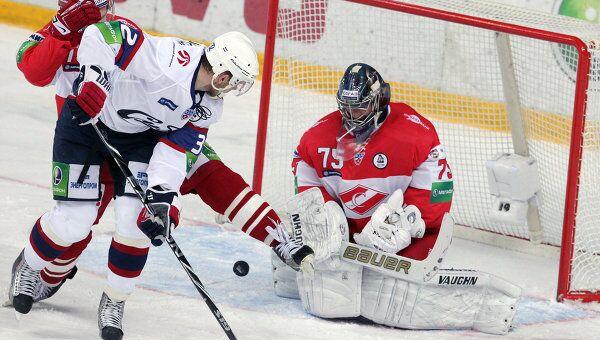 Игровой момент матча Спартак - Сибирь