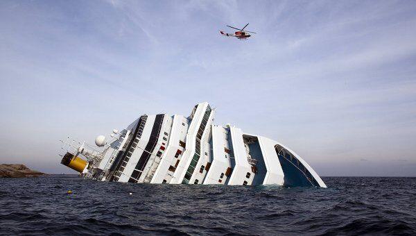 Затонувший у берегов Италии лайнер Costa Concordia