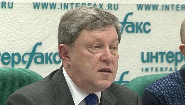 Явлинский рассказал, что его не устраивает в процедуре сбора подписей