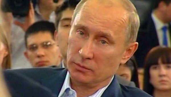 Путин пообещал студентам разобраться с левыми людьми в общежитиях