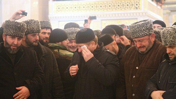 В Грозный доставлен волос Пророка Мухаммада
