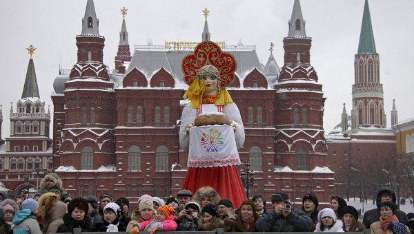 Масленичные гуляния в центре Москвы. Архив