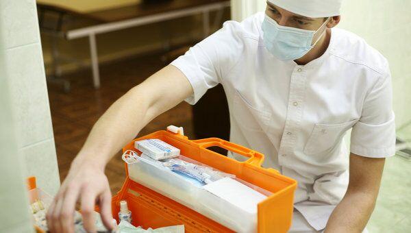 Стоматолог, архивное фото