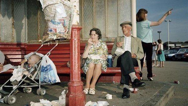 Мартин Парр. Из серии Последний приют. Фотографии Нью-Брайтона. 1983--1985