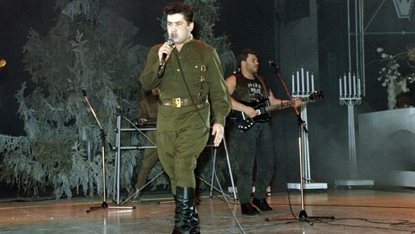 Солист и руководитель музыкальной группы Любэ Николай Расторгуев. 1991 год.