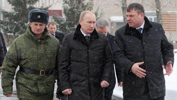 Премьер-министр РФ Владимир Путин посещает Пятую отдельную Гвардейскую мотострелковую Таманскую бригаду