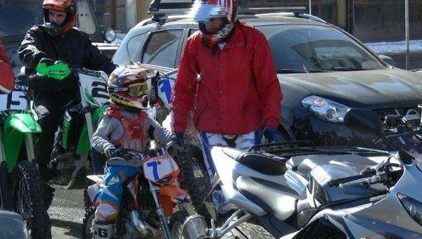 Семилетний байкер поддержал Путина мотопробегом во Владикавказе