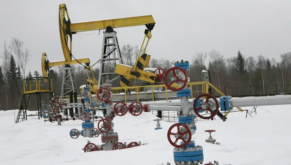 Нефтяное месторождение, архивное фото