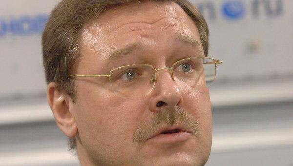 Константин Косачев во время пресс-конференции в агентстве «РИА Новости»