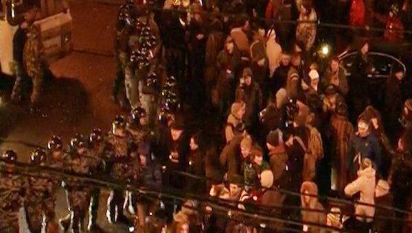 Полиция вытесняет оппозиционеров с Пушкинской после митинга