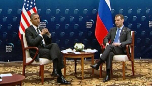 Медведев позвал Обаму в гости, тот пообещал приехать после выборов