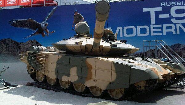 Модернизированный танк Т-90С. Архивное фото