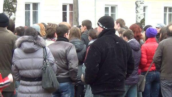 Гусевцы вышли на улицы с требованием наказать школьниц, избивших подругу