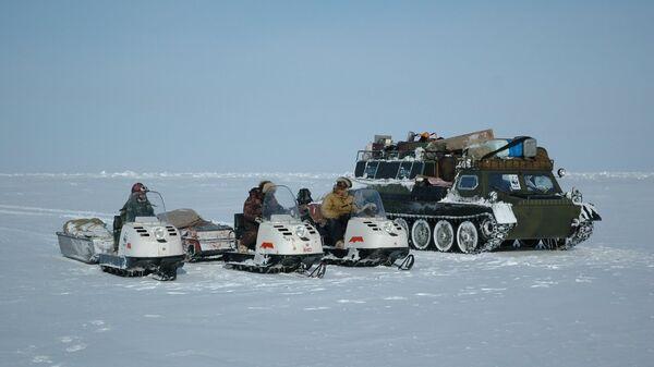 Медвежий патруль около архипелага Медвежьи Острова