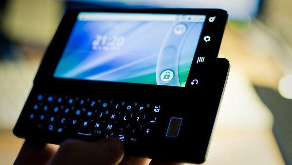 Смартфон Motorola Milestone на ОС Android 2.1