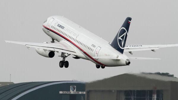 Самолет Superjet-100 пропал с экранов радаров в Джакарте